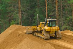 Yellow buldozer at work Royalty Free Stock Photo