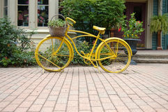 Yellow bycicle Royalty Free Stock Photos