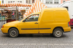Yellow city van Royalty Free Stock Photography