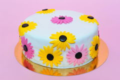 Yellow daisies birthday cake Stock Image