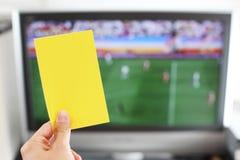yellow för kortfotbollbestraffning Royaltyfri Bild