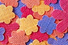 yellow för modell för hjärta för blommor för fjärilsdroppe blom- Royaltyfria Foton