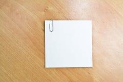 yellow för skugga för paper bana för clippinganmärkning klibbig arkivfoton