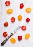 yellow för tomater för Cherryred Arkivbilder