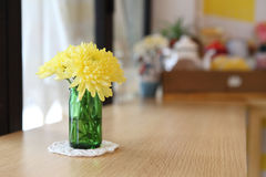 Yellow flower in jar Royalty Free Stock Photography