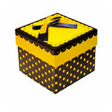 Yellow gift Royalty Free Stock Photography