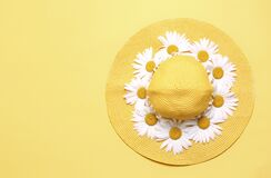 Free Yellow Hat Decorated With Flowers Top View Empty Space Background,summer Vocation Backdrop Stock Photo - 190686730