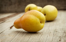 Yellow juicy ripe pears Royalty Free Stock Images