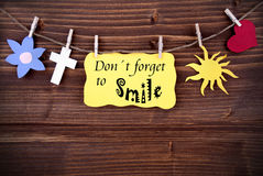 Yellow Label With Life Quote Dont Forget To Smile Stock Photography