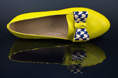 Yellow ladies shoes Royalty Free Stock Photos
