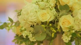 Yellow Rose στη ημέρα γάμου απόθεμα βίντεο