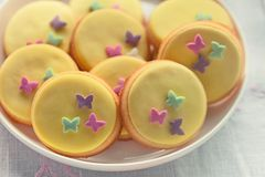 Yellow round cookies Royalty Free Stock Photos