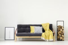Yellow simple living room Royalty Free Stock Photography