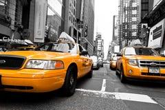 Yellow taxar Arkivbilder