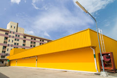 Yellow Warehouse Buliding Royalty Free Stock Photos