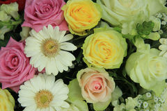 Yellow, white and pink wedding flowers Royalty Free Stock Images