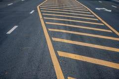 Yellowline στο δρόμο στοκ εικόνα