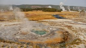 yellowstone Αφηρημένο τοπίο χρώματος των λιμνών και geysers Στοκ εικόνες με δικαίωμα ελεύθερης χρήσης