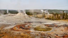 yellowstone Αφηρημένο τοπίο χρώματος των λιμνών και geysers Στοκ Εικόνες