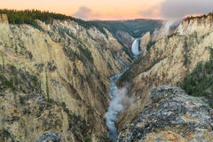Yellowstone abaissent des automnes photo stock
