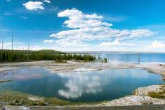 Yellowstone bezdenności i jeziora basen, Yellowstone park narodowy, Wyoming, usa Zdjęcie Royalty Free