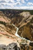 Yellowstone cai no parque nacional de Yellowstone imagem de stock