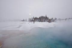 Yellowstone im Winter, im myst und im Schnee Lizenzfreies Stockfoto