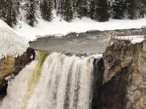 Yellowstone nedgång med synvinkel Royaltyfri Foto