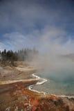 Yellowstone-Park - Westdaumen-Geysir-Bassin Stockfotografie