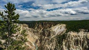 Yellowstone River och kanjon Arkivbild