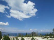 Yellowstone sjö i den Yellowstone nationalparken Fotografering för Bildbyråer