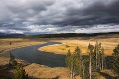 Yellowstonerivier in de herfst royalty-vrije stock afbeeldingen
