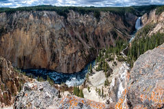 Yellowstonerivier en Dalingen Stock Foto