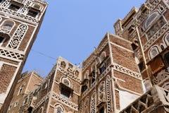 yemen Architecture traditionnelle de vieille ville à Sanaa Images stock