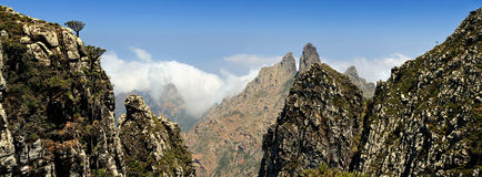 Yemen. Socotrainsel. Higghe Berge lizenzfreie stockfotografie