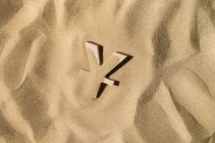 Yen Symbol Under het Zand royalty-vrije stock afbeeldingen