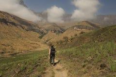Yendo de excursión para arriba el Zulú de Kwa natal Imagenes de archivo