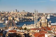 Yeni Cami (den nya moskén) Arkivfoton