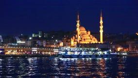 Yeni Cami, die Nieuwe Moskee betekenen stock videobeelden