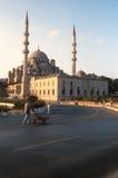Yeni Cami Mosque Istanbul an der Dämmerung lizenzfreies stockbild