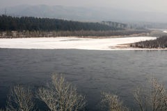 Yenisei pendant l'hiver Image stock