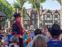 Yeomenwarder binnen de Toren van Londen Royalty-vrije Stock Foto