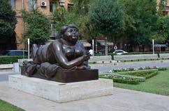 Yerevan, Armenië, 06 September, 2014 Armeense scène: Stedelijk beeldhouwwerk in Yerevan royalty-vrije stock afbeeldingen