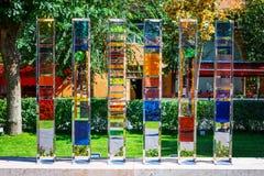 Yerevan, Armenië - 26 September, 2016: Het kleurrijke die glasbeeldhouwwerk in de tuin van Cafesjian wordt gevestigd Art Center Stock Foto