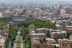 YEREVAN ARMENIA, MAJ, - 02, 2016: Widok od kaskady która jest Gian Zdjęcie Royalty Free