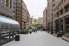 YEREVAN, ARMENIA-MAY 02: Północna aleja w Yerevan na Maju 02, 2016 Obrazy Stock