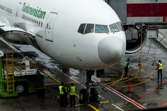 Yesilkoy, Istambul/Turquia 28 de novembro de 2018: Linhas aéreas Boeing 777-200LR de Turquemenistão, no aeroporto internacional d imagem de stock