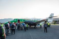 Yeti Airlines-vliegtuig bij Pokhara-luchthaven, Nepal royalty-vrije stock fotografie