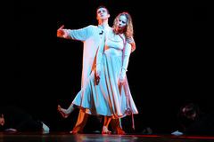 Yevgeny Panfilov芭蕾演播室的成员从电烫的执行罗密欧,并且在IFMC期间的朱丽叶2013年11月22日在维帖布斯克,是 图库摄影