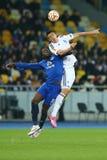 Yevhen Khacheridi, Romelu Lukaku bój dla piłki w powietrzu, UEFA Europa Ligowy Round 16 nogi drugi dopasowanie między dynamem i E fotografia stock